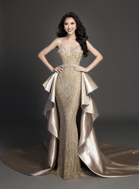 Tường Linh tung trang phục dạ hội trước thềm Chung kết Hoa hậu Liên lục địa 2017