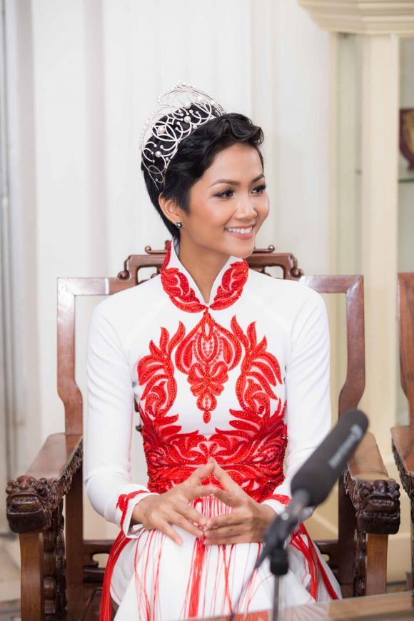 H'hen Niê, hoa hậu H'hen Niê, sao Việt