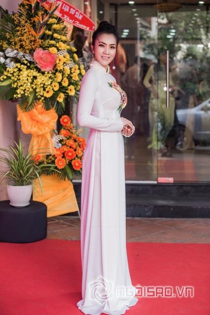 Á khôi Nguyễn Thùy Chi, Nguyễn Thùy Chi, sao việt
