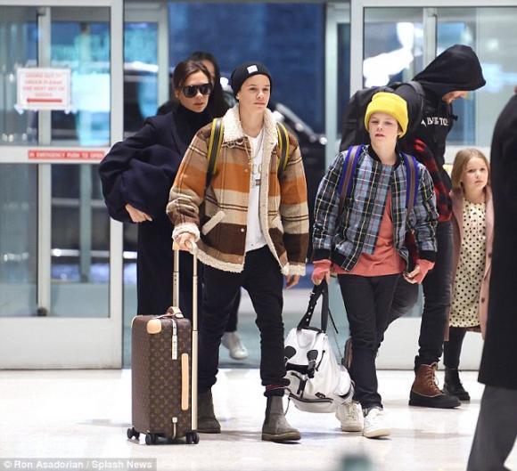 Harper Seven Beckham,con gái David Beckham, harper điệu đà, trở về Anh quốc