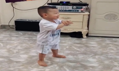 Hoài Linh, Trấn Thành, Clip ngôi sao