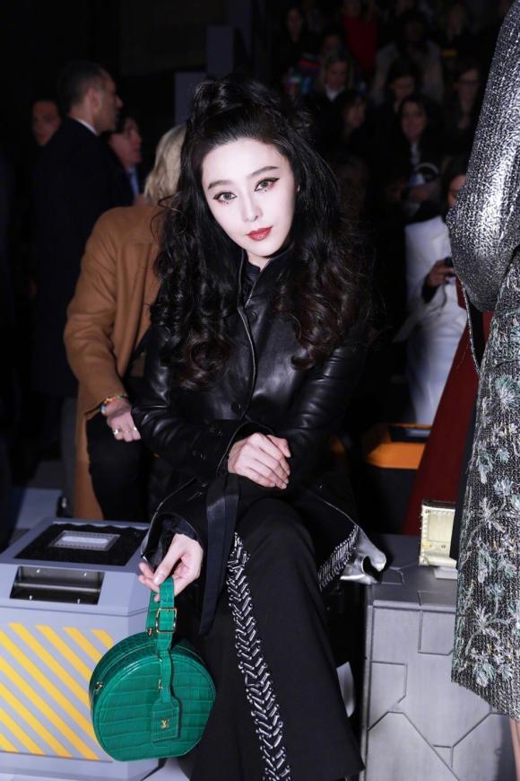 diễn viên Phạm Băng Băng,Phạm Băng Băng sành điệu, trang điểm lạ, show diễn louis vuitton, tuần lễ thời trang paris