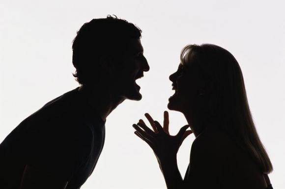 """Những """"đòn độc"""" của phụ nữ khôn ngoan khi phát hiện chồng có bồ nhí"""