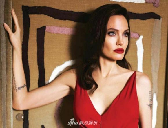 Diễn viên Angelina Jolie,Angelina Jolie tươi trẻ, đầy sức sống, brad pitt già nua