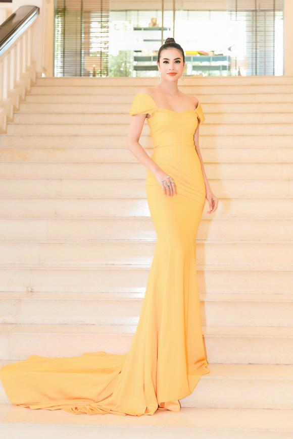 Hoa hậu phạm hương,hoa hậu hoàn vũ việt nam,phạm hương diện đầm vàng rực