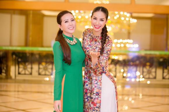 Thu Hoài, Phạm Hương, sao Việt