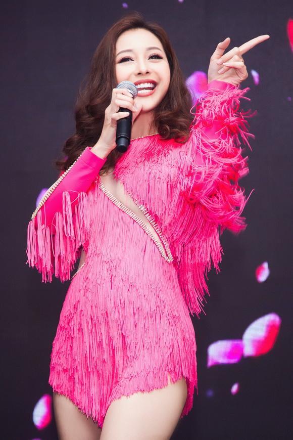 Hoa hậu jennifer phạm,hoa hậu châu á tại mỹ,jennifer phạm nóng bỏng