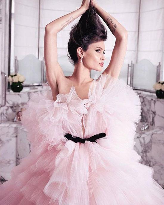 Diễn viên Angelina Jolie, angelina jolie chuẩn bị kết hôn, angelina jolie nhận con nuôi