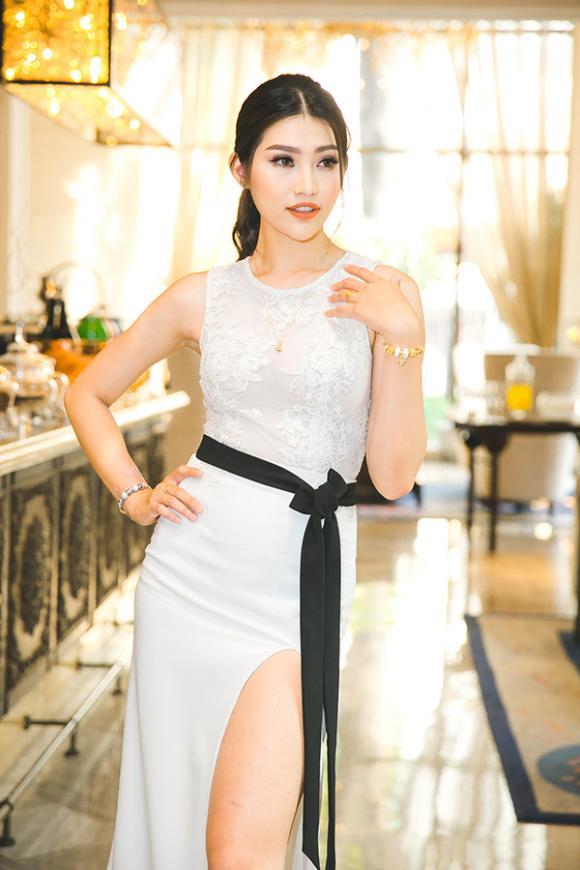 Chế Nguyễn Quỳnh Châu,sao Việt,thời trang sao