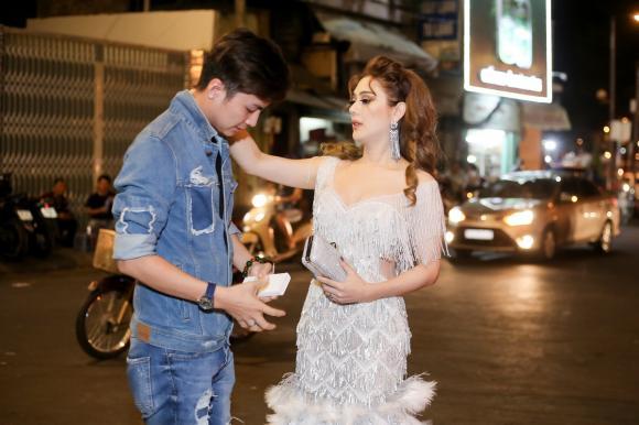 Lâm Khánh Chi, Á hậu chuyển giới Thái Lan, sao Việt