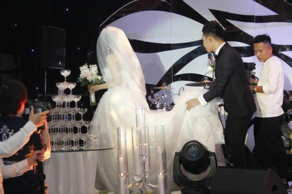 đám cưới khắc việt, khắc việt, ảnh cưới khắc việt