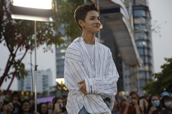 Kim Samuel, sixteen, sao Hàn