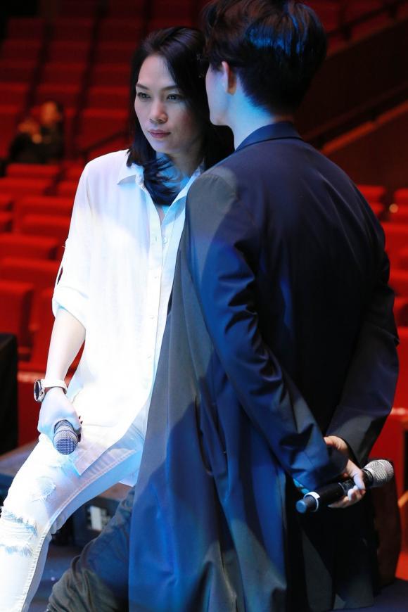 Mỹ Tâm mộc mạc tập luyện cùng Hà Anh Tuấn