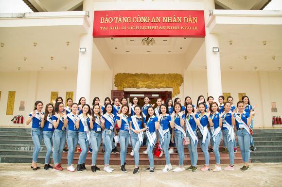 Ăn mặc giản dị nhưng dàn người đẹp Hoa hậu Biển Việt Nam toàn cầu vẫn rạng rỡ bất chấp