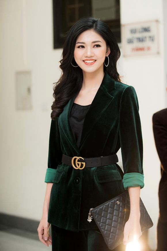 Thanh Tú,Á hậu Thanh Tú sành điệu,sao Việt