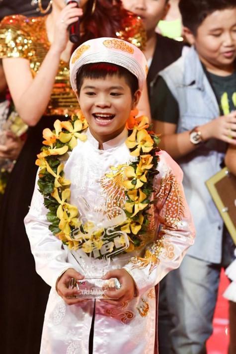 Choáng với ngoại hình hiện tại của Quang Anh (The Voice Kids) sau 2 tháng vướng nghi vấn thẩm mỹ