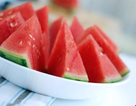 Không được ăn dưa hấu bằng thìa, sức khỏe, những tác hại của việc ăn dưa hấu bằng thìa