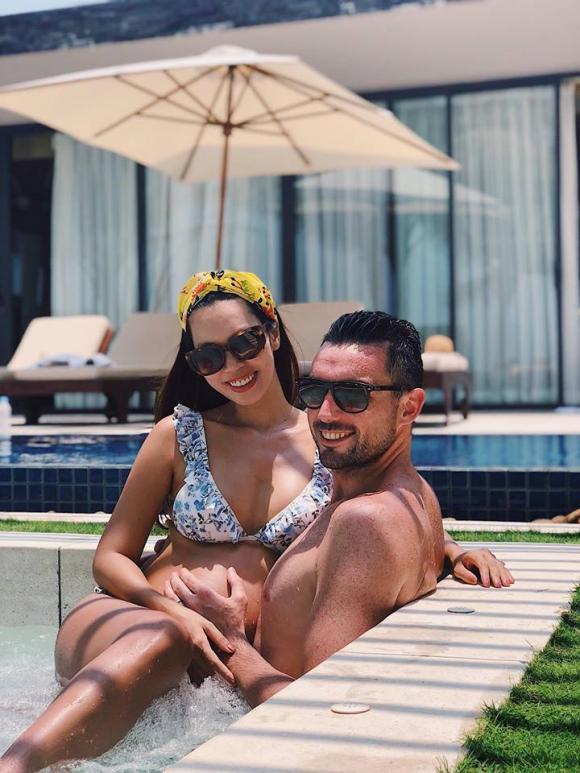 Mang bầu 8 tháng, siêu mẫu Hà Anh vẫn khoe dáng bốc lửa trong bộ bikini 2