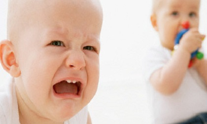 chăm trẻ, trẻ khóc, trẻ sơ sinh