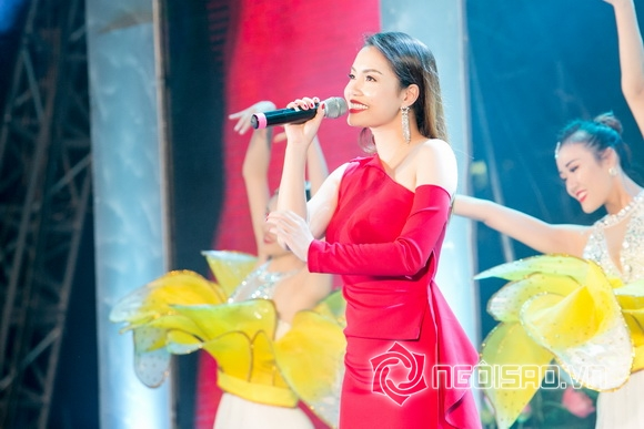 Diva Thanh Lam cùng Ngọc Anh hát khai trương phố đi bộ Trịnh Công Sơn