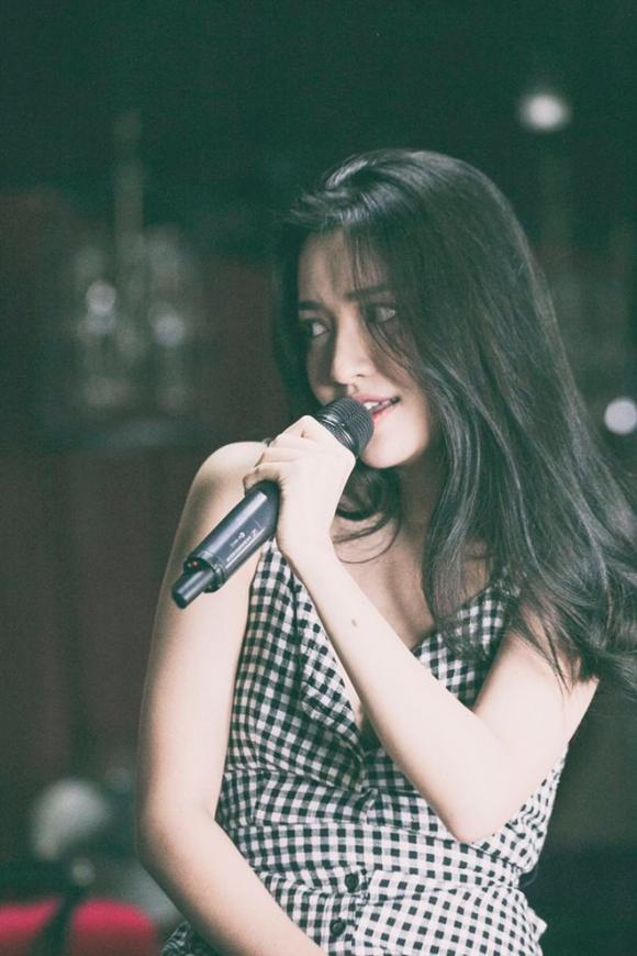 Bích Phương xinh đẹp trong bộ ảnh mới nhất
