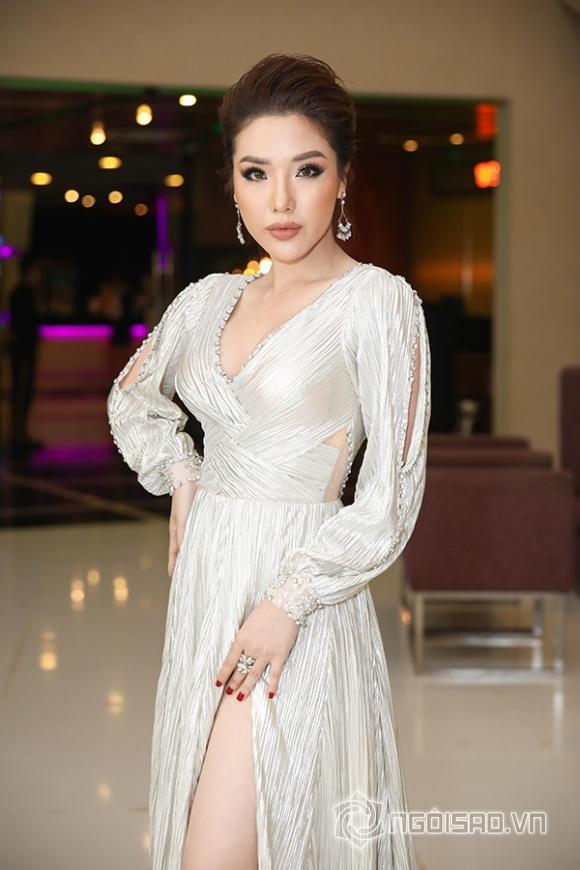 Phạm Hương, Thu Hoài, sao việt