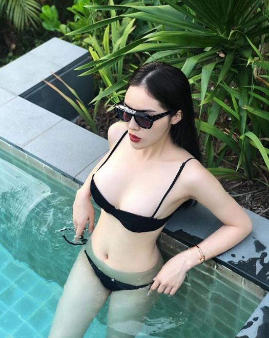 Kỳ Duyên Diện Bikini Khoe Vòng Một đẫy đà Sau Khi Dao Kéo