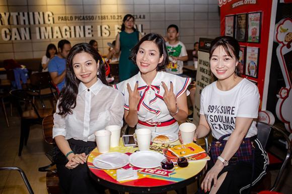 Nhã Phương, Hà Hương, Kiều Anh