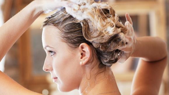 mẹo dưỡng tóc, tóc đẹp, mẹo dưỡng tóc trên mạng, áp dụng cùng lúc 6 mẹo dưỡng tóc trên mạng trong vòng một tuần