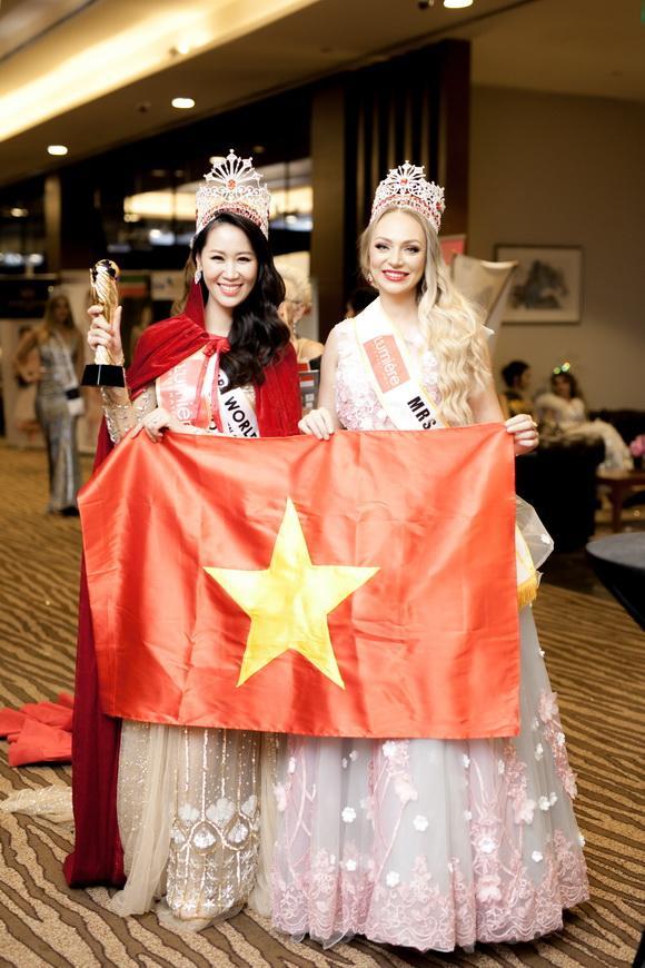 dương thùy linh, Mrs Worldwide 2018, Hoa hậu Phụ nữ Toàn thế giới 2018