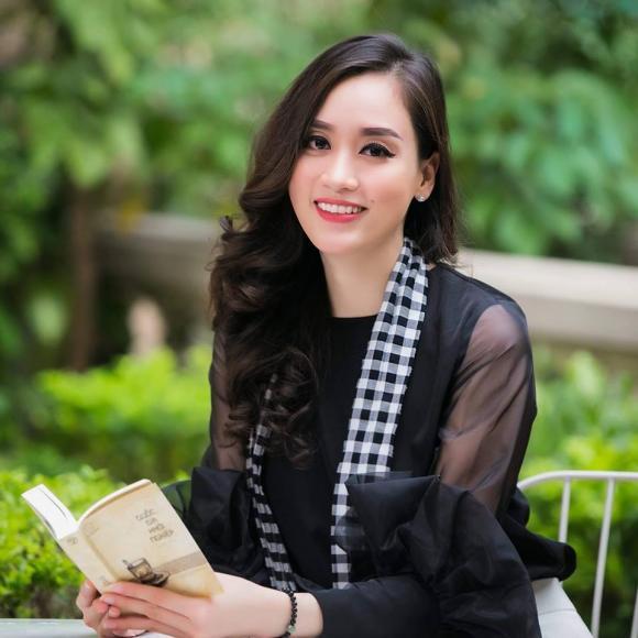 siêu mẫu Hồng Nhung, chiếc nón kỳ diệu, sao Việt