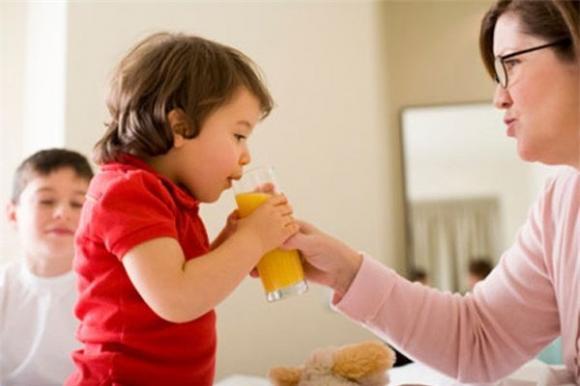 sức khỏe, chăm con,chế độ dinh dưỡng cho bé