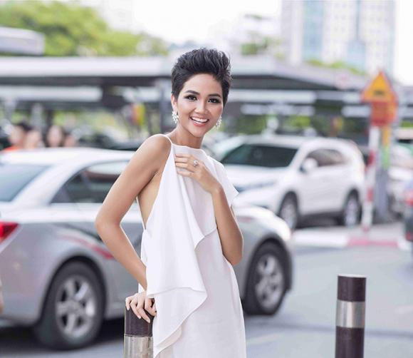 Hoa hậu H'Hen Niê, Hoa hậu Hoàn vũ, sao Việt