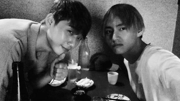 Park Seo Joon, Park Hyung Sik, Choi Siwon, V (BTS)