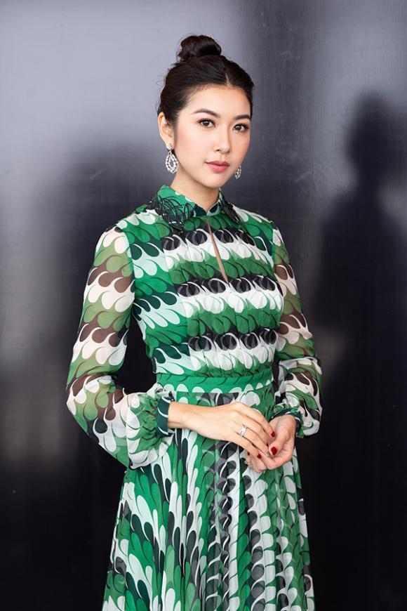 H'Hen Nie, Á hậu Thúy Vân, sao Việt