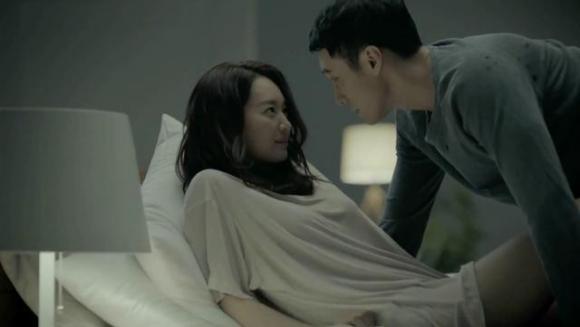 Ngỡ khôn ngoan chiếm trọn trái tim người tình, cô gái trong vai người thứ 3 nhận về cái kết không thể phũ phàng hơn