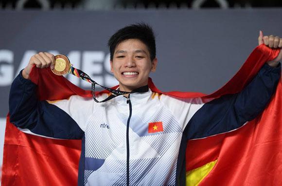 Nguyễn Hữu Kim Sơn, kiện tướng bơi lội, xế hộp tiền tỉ