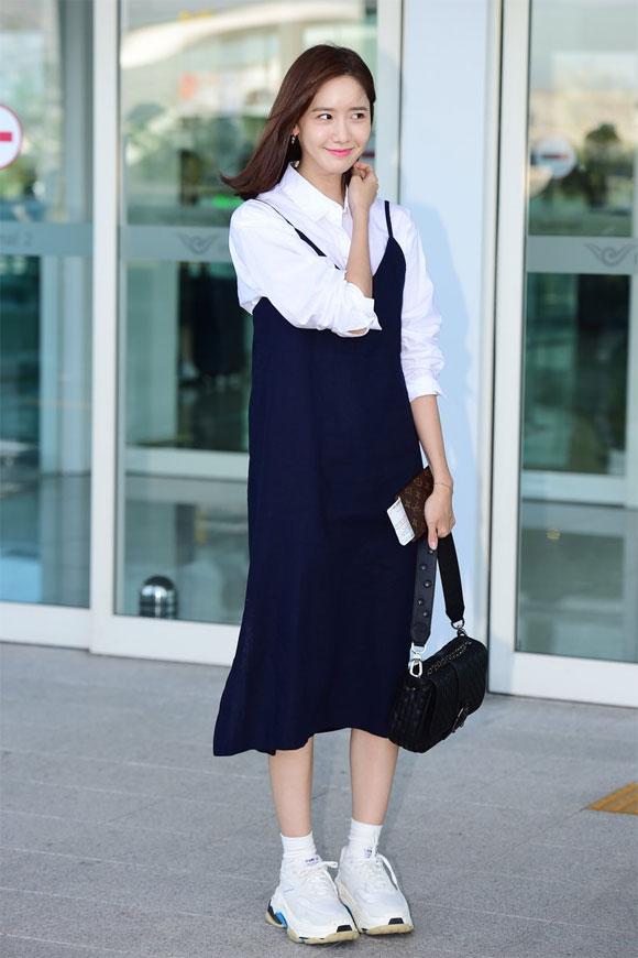 diện sơ mi như sao Hàn,cách mặc áo phông ngày hè,thời trang sao Hàn
