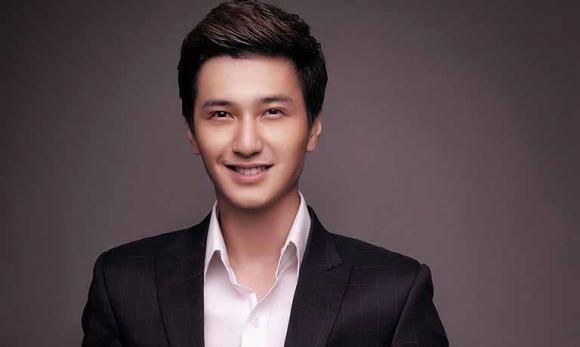 Huỳnh Anh, bạn gái mới của Huỳnh Anh, Hoàng Oanh