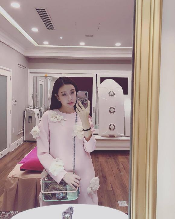 Vicky Lam Cúc, hội con nhà giàu Việt Nam, hàng hiệu của sao