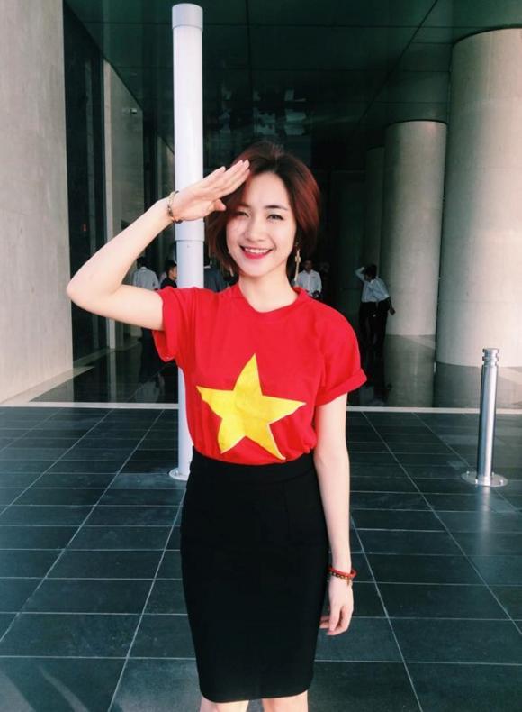 Văn Mai Hương, Hoàng Oanh, sao Việt