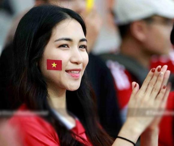 Hòa Minzy, Công Phượng, ca sĩ