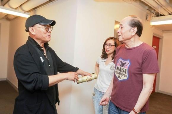 Ảnh Lý Liên Kiệt 55 tuổi bên cha vợ 83 tuổi khiến dân mạng xót xa