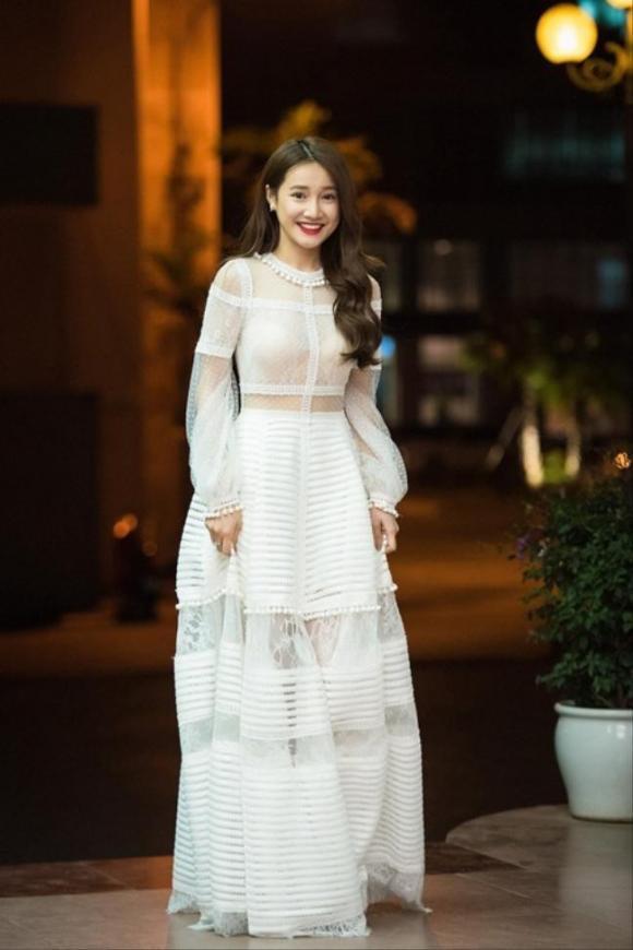 Nhã Phương,Trường Giang, sao việt, váy cưới