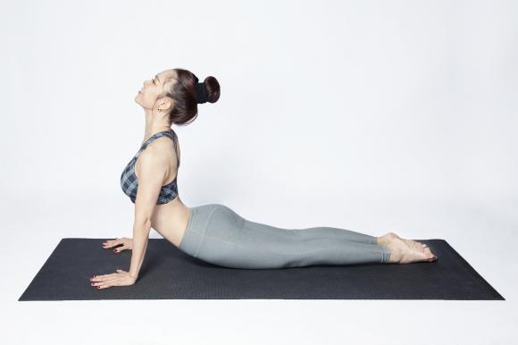 bài tập yoga đơn giản, bài tập yoga đốt cháy chất béo, bài tập giảm cân