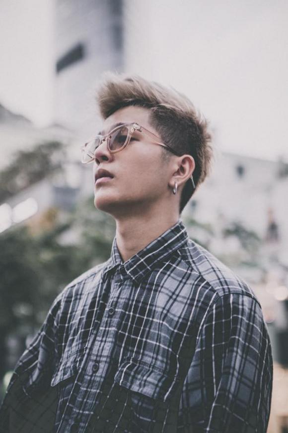 Quang Anh khoe phong cách nam tính mới được dân mạng hưởng ứng