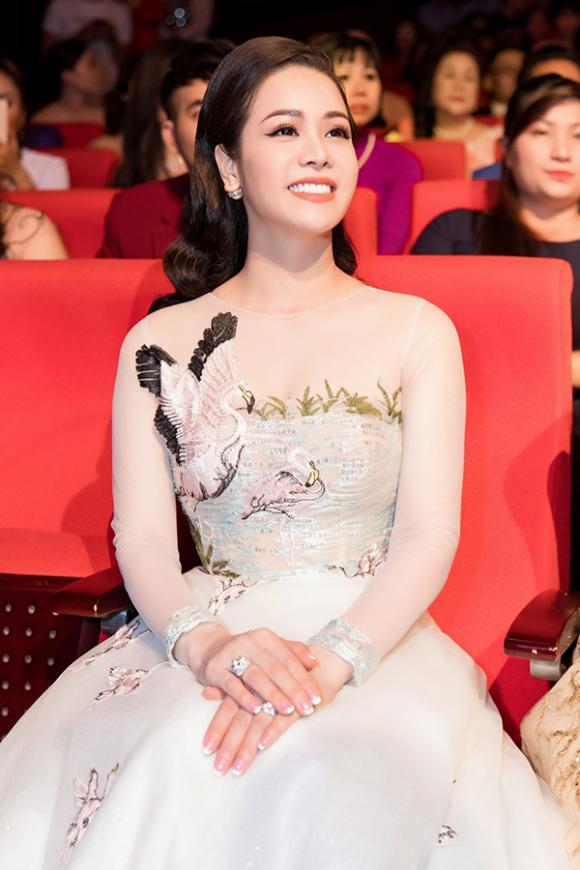 Nhật Kim Anh: 'Có thời gian tôi như bị trầm cảm, cảm thấy ai cũng ghét bỏ mình'