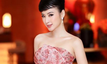 Angela Phương Trinh, Hoa hậu Hương Giang, sao Việt
