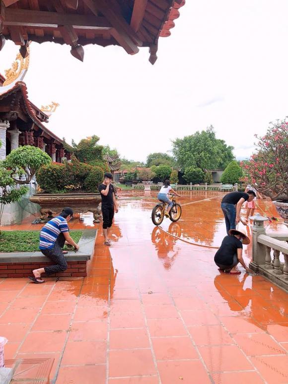 nhà thờ tổ nghề sân khấu, Hoài Linh, Nam Thư, sao Việt