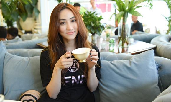 Trang Nhung, Ngân Khánh, sao Việt